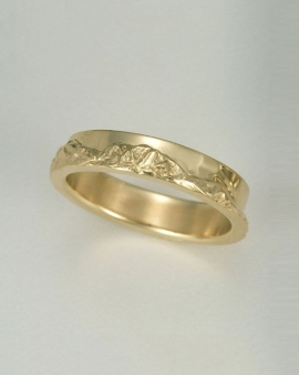 Mountain Bands 1-9: 14kt. yellow gold Boulder Peaks Mountain Band