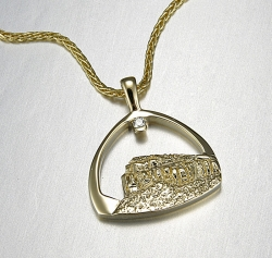 14kt. yellow gold Steamboat Mt. pendant with small diamond